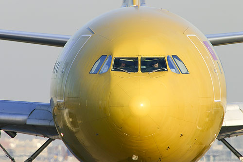 Airbus A300F4-203