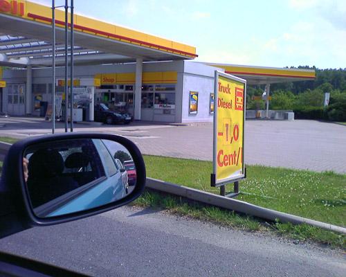 Das ist doch mal eine Preisansage! Brummifahrer bekommen von Shell ab sofort Geld fürs tanken